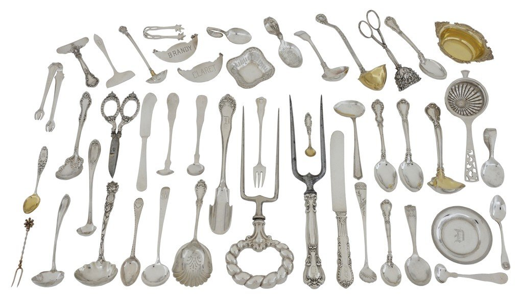 7: A MISCELLANEOUS LOT OF 105 ANTIQUE STERLING SILVER A