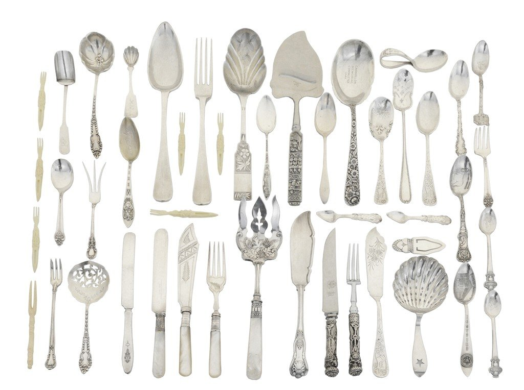 8: A MISCELLANEOUS LOT OF SILVER FLATWARE American and