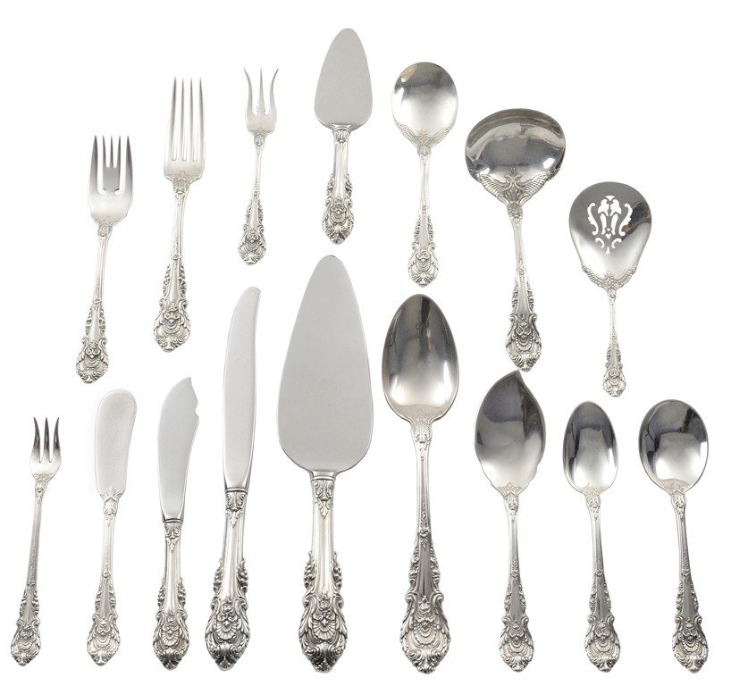 15: A 62-PIECE SET OF WALLACE STERLING SILVER FLATWARE,