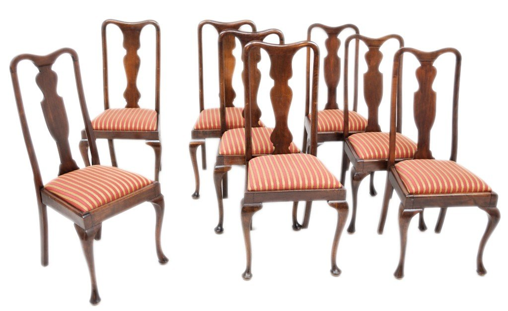 11: A GROUP OF EIGHT QUEEN ANNE MAHOGANY SIDE CHAIRS