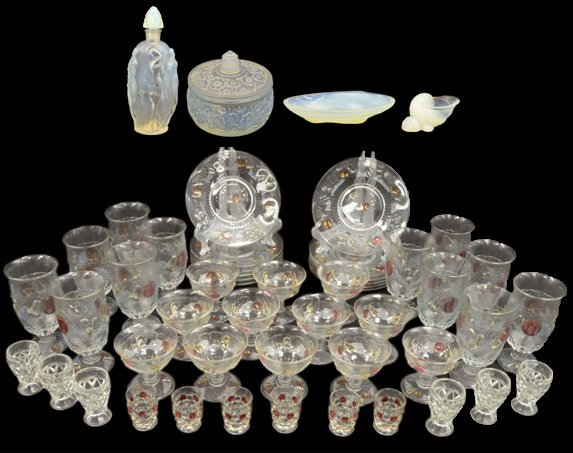 125: A DUO OF OPALESCENT SABINO VANITY GLASS; PERFUME A