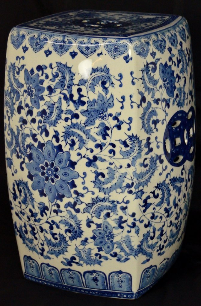 9: A CHINESE BLUE-AND-WHITE PORCELAIN GARDEN STOOL