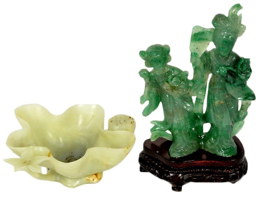 12: A LOT OF TWO CHINESE JADE CARVINGS