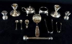 9: A GROUP OF 13 SMALL STERLING SILVER TABLE ITEMS