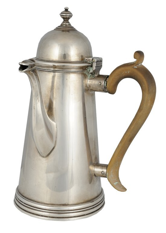 5: A GEORGE III STERLING SILVER COFFEE POT London, Circ