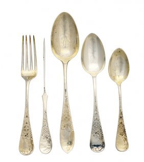 10: A 50 PIECE PARTIAL SET OF MIXED STERLING FLATWARE V