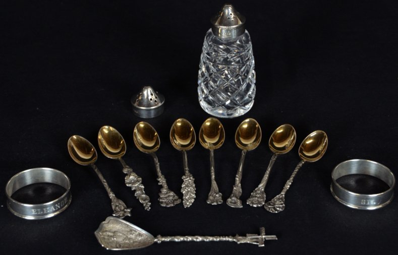 13: A MISCELLANEOUS LOT OF STERLING AND SILVERPLATE