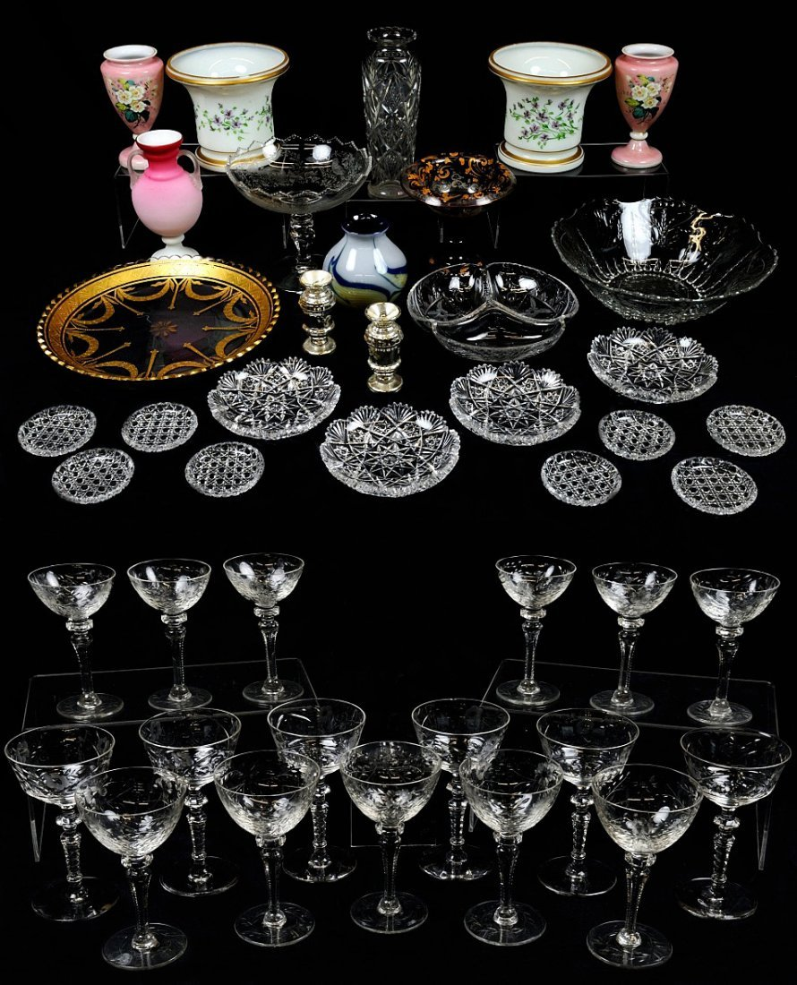 14: A MIXED LOT OF 43 CUT, ETCHED, AND DECORATED GLASSW