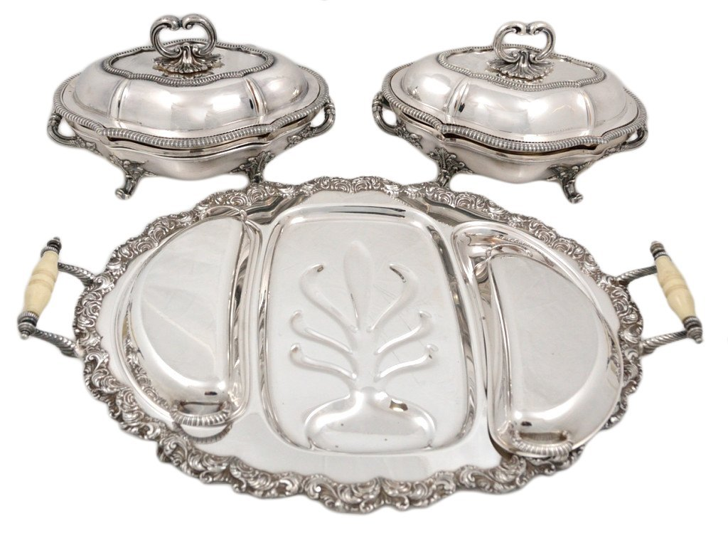21: A GROUP OF THREE SHEFFIELD SERVING PIECES