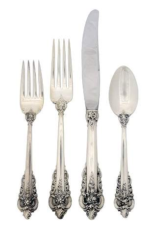 """A VINTAGE 108 PIECE STERLING SILVER SET OF WALLACE """""""