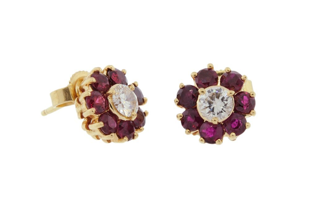 18: A PAIR OF RUBY AND DIAMOND EARRINGS SET IN 14K YELL