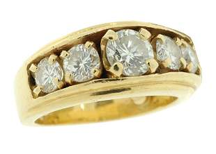 A MAN'S 14K GOLD AND DIAMOND RING Good condition.