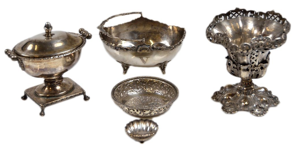 10: FIVE SMALL STERLING AND SILVERPLATE DINING ACCESSOR