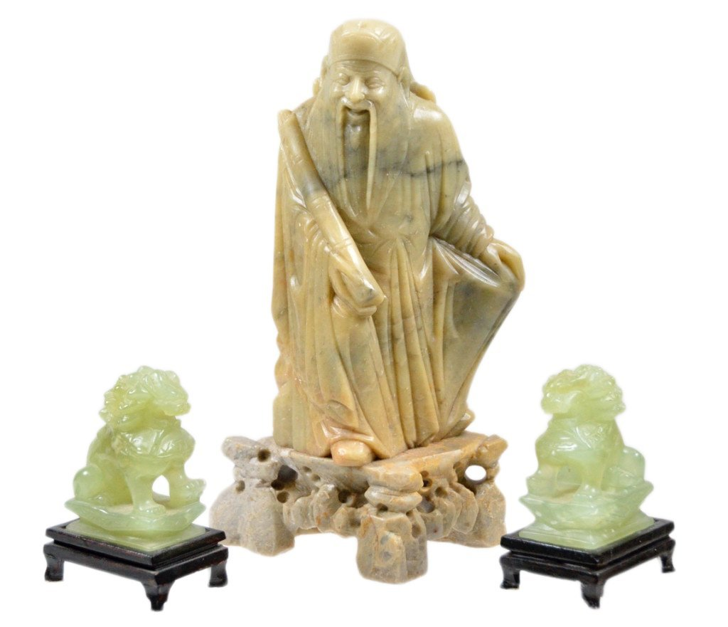 21: CHINESE CARVED JADE AND SOAPSTONE FIGURES