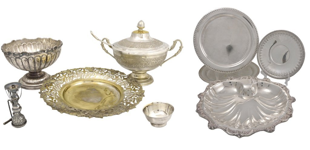 7: A GROUP OF NINE SILVERPLATED SERVING PIECES