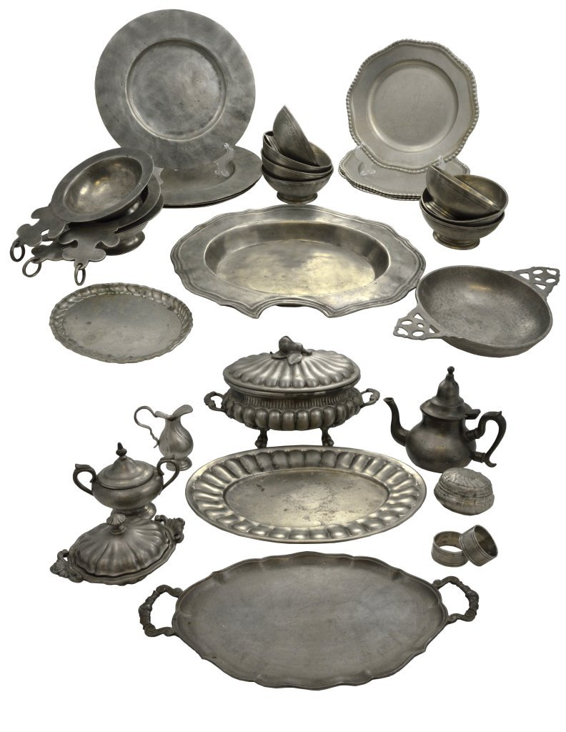 10: A GROUP OF EUROPEAN PEWTER