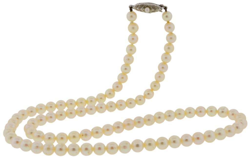 15: STRING OF MIKIMOTO PEARLS