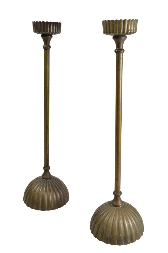 18: A PAIR OF PATINATED BRONZE CANDLESTICKS