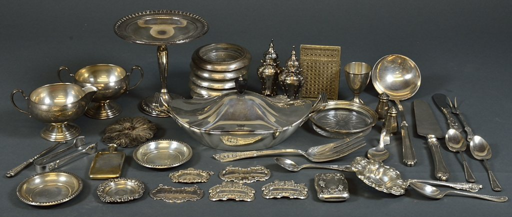 A GROUPING OF ANTIQUE AND VINTAGE STERLING SILVER