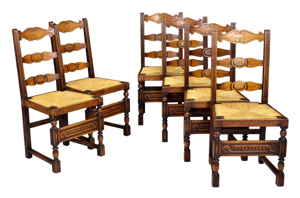 A SET OF SIX ANTIQUE COLONIAL STYLE WALNUT SIDE CHAIRS