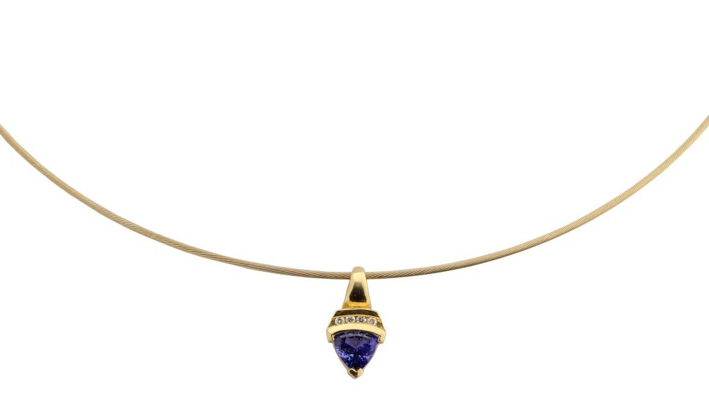 A 14KT GOLD TANZANITE AND DIAMOND NECKLACE