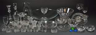 A LOT OF 44 PIECES OF DINING CRYSTAL AND GLASS