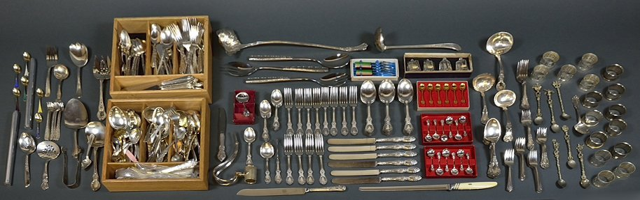 A LOT OF 330 PIECES OF SILVER PLATE SERVING UTENSILS