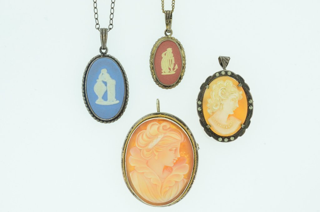 A GROUP OF TWO VINTAGE WEDGWOOD CAMEOS AND SHELL CAMEO