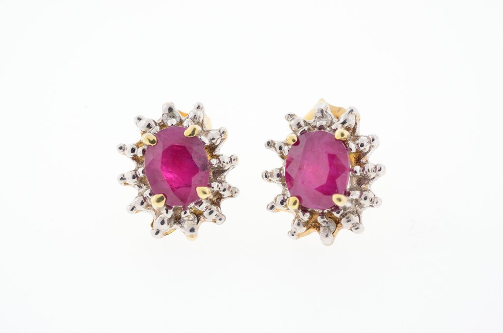A PAIR OF RUBY AND DIAMOND EARRINGS Very good condition