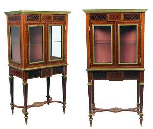 A PAIR OF BALTIC STYLE VITRINE CABINETS WITH BRONZE MOU