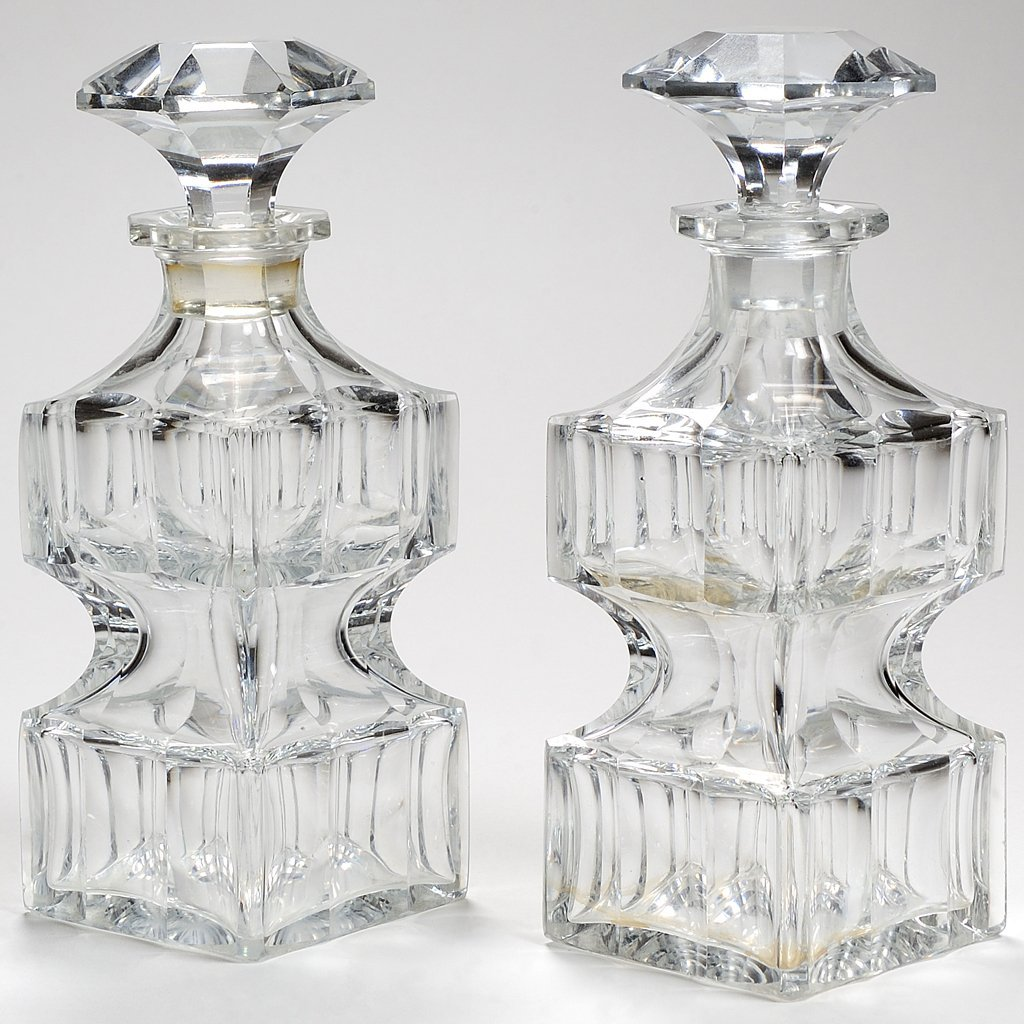 A FINE PAIR OF ANTIQUE BACCARAT CRYSTAL DECANTERS