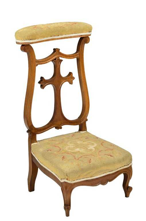 - AN ANTIQUE FRENCH VICTORIAN PRIE DIEU PRAYER CHAIR