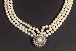 VINTAGE LADYS 14K GOLD PEARL AND DIAMOND NECKLACE