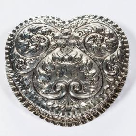 GORHAM STERLING SILVER REPOUSSE DRESSER BOX