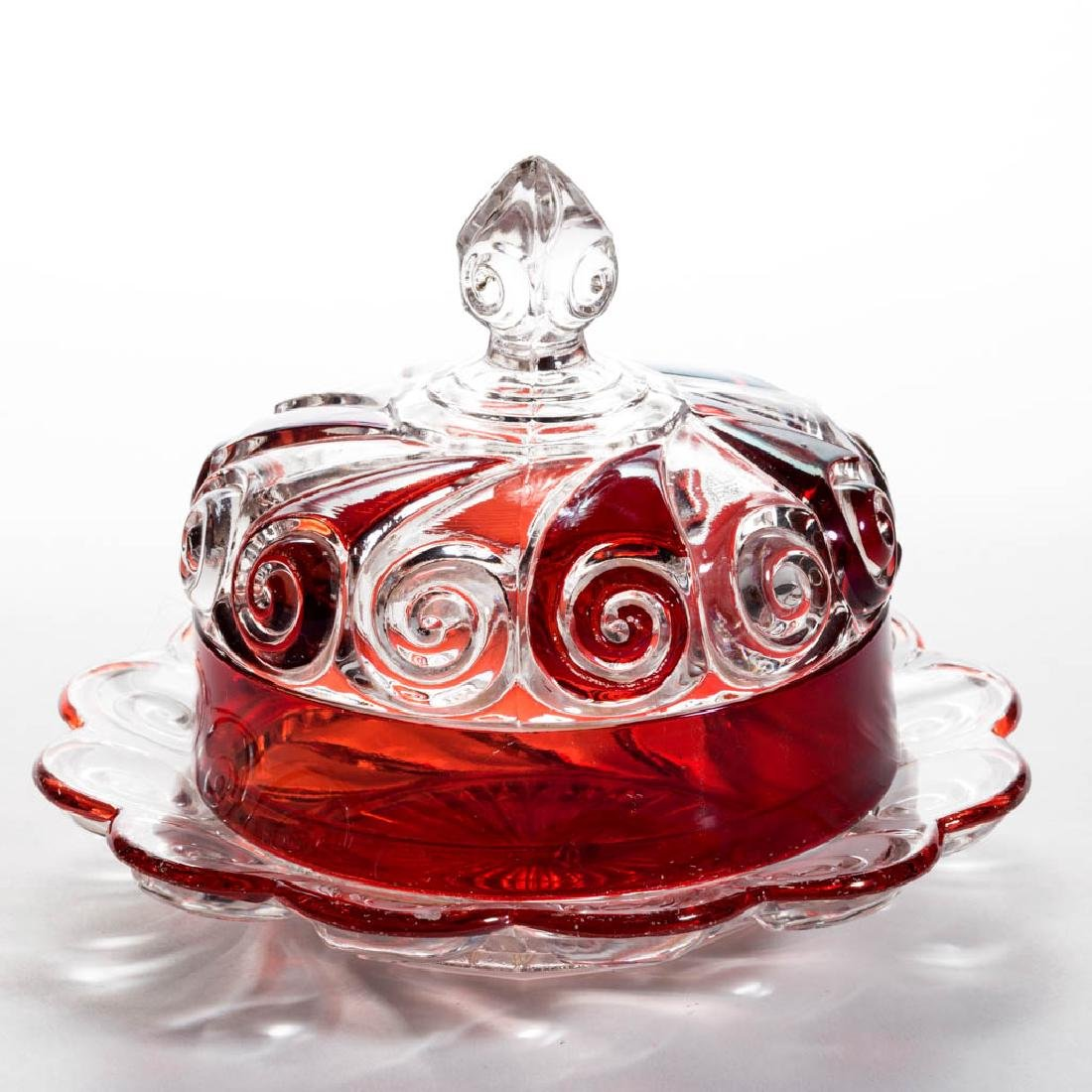 DUNCAN NO. 360 / SNAIL - RUBY-STAINED COVERED BUTTER