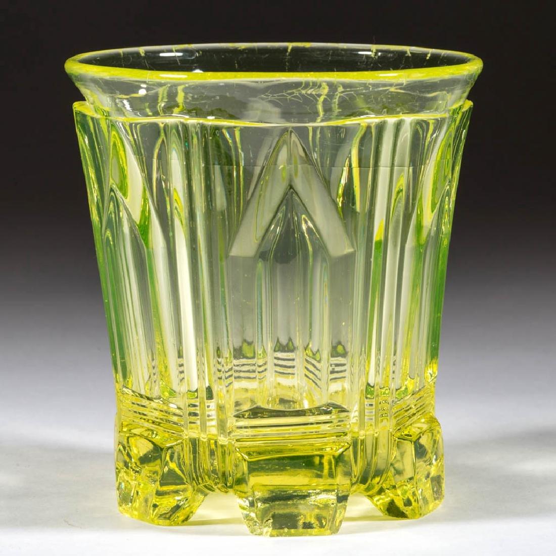 UNIDENTIFIED PRESSED FLINT GLASS TUMBLER