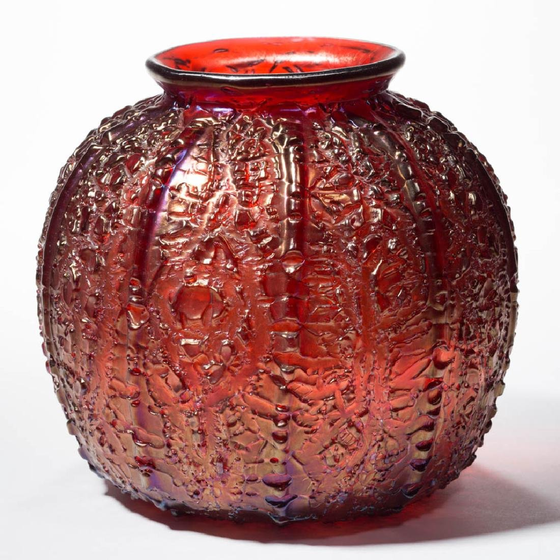 DURAND ATTRIBUTED RIBBED CRACKLE ART GLASS VASE