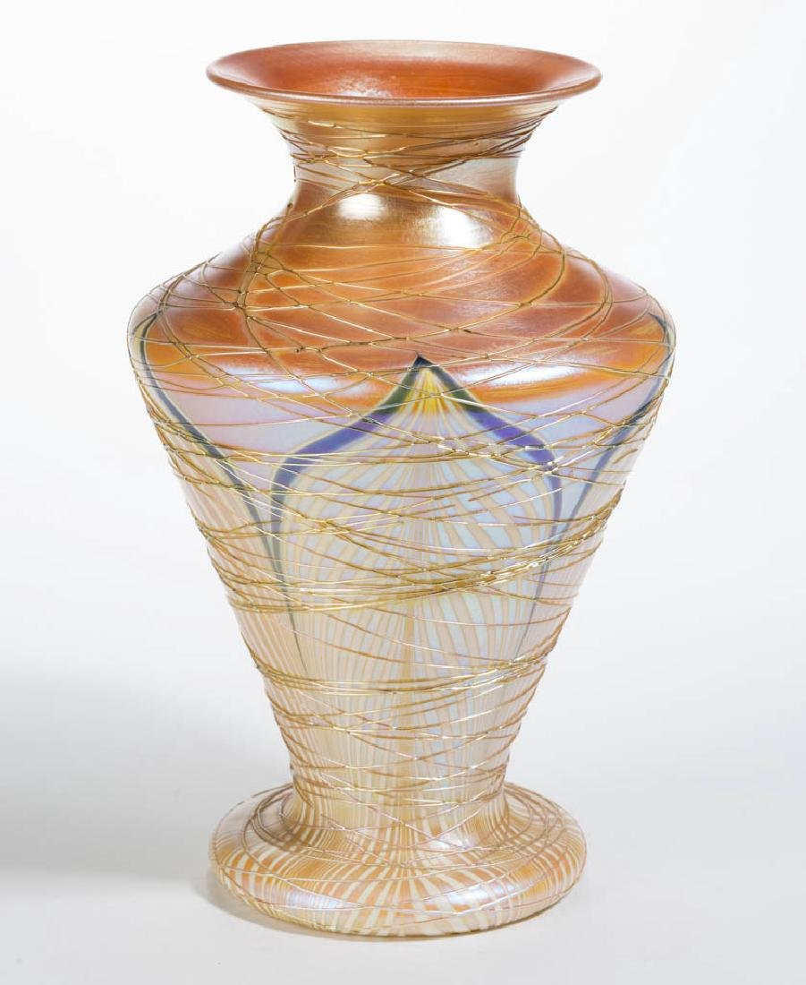 DURAND ATTRIBUTED PULLED FEATHER ART GLASS VASE