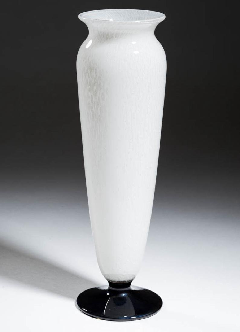 DURAND KIMBLE CLUTHRA ART GLASS VASE