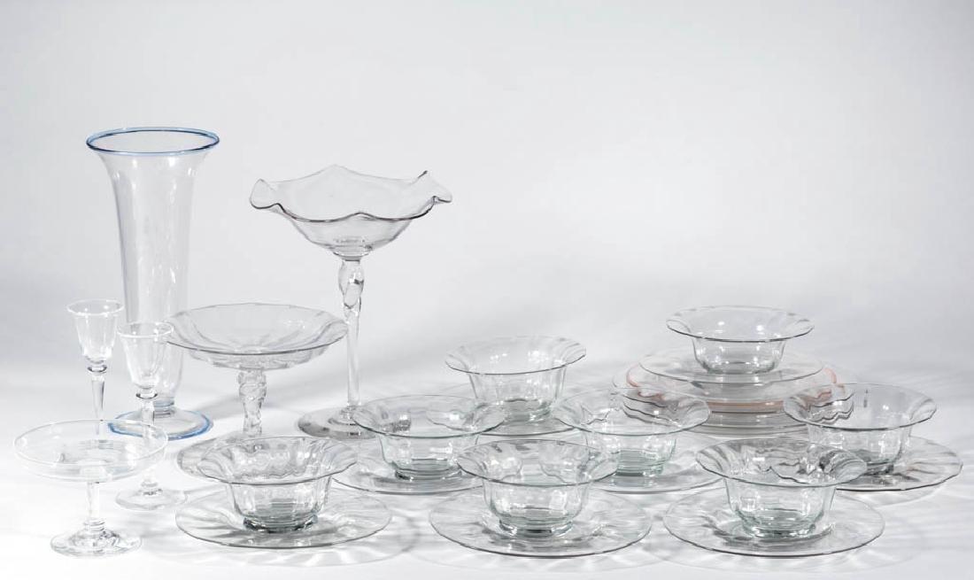 STEUBEN ART GLASS ARTICLES, LOT OF 25