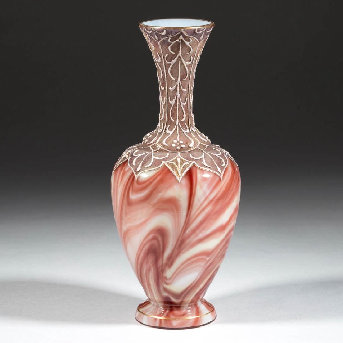 LOETZ ATTRIBUTED ONYX / MARMORIERTES ART GLASS VASE