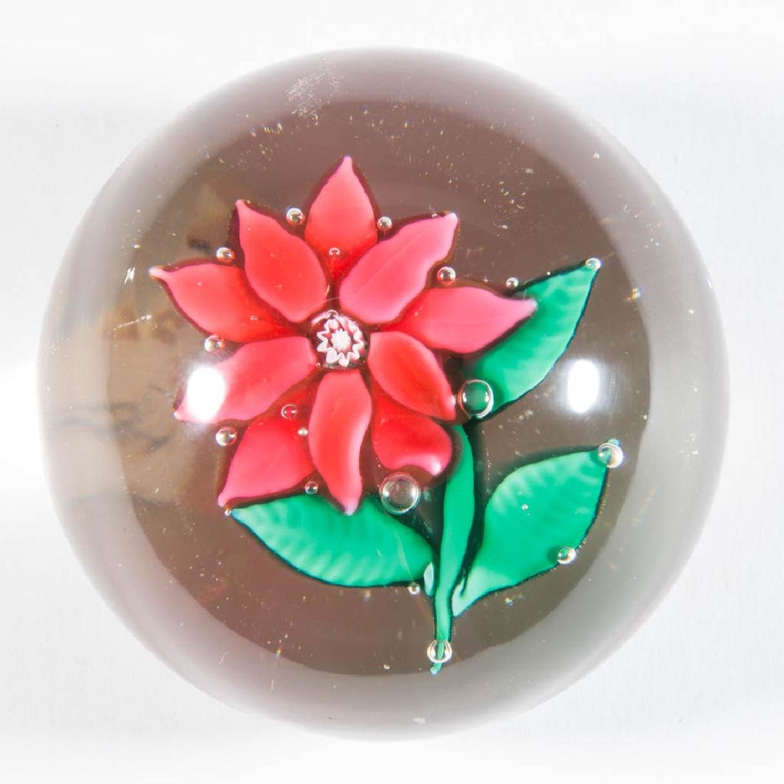 SANDWICH POINSETTIA PAPERWEIGHT