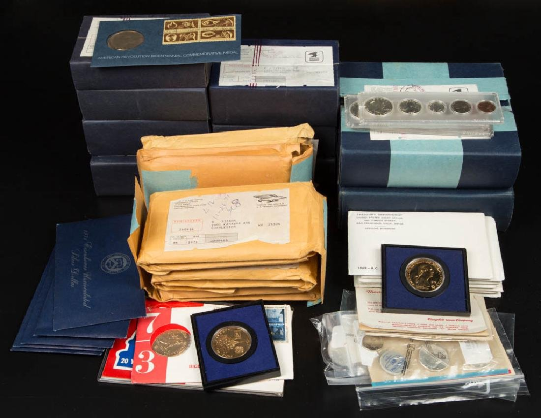 ASSORTED UNITED STATES COIN PROOF / MINT ISSUES, LOT OF