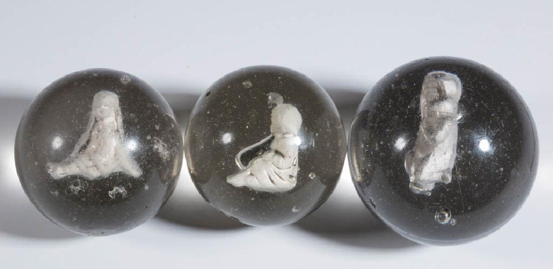 ASSORTED HUMAN-FIGURE LARGE SULPHIDE MARBLES, LOT OF