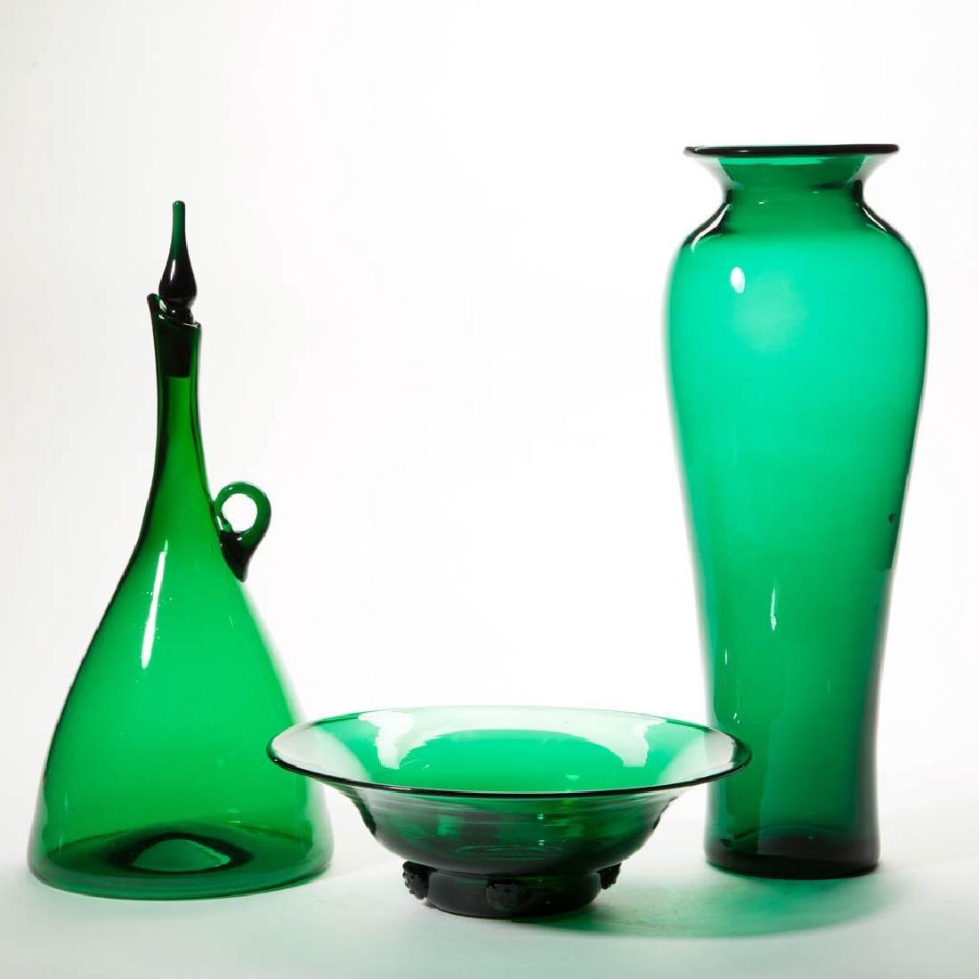 BLENKO EMERALD GREEN GLASS ARTICLES, LOT OF THREE