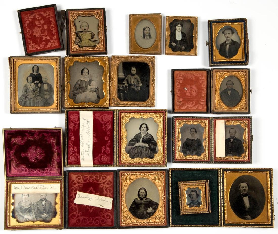 ASSORTED CASED PHOTOGRAPHIC IMAGES, LOT OF 14