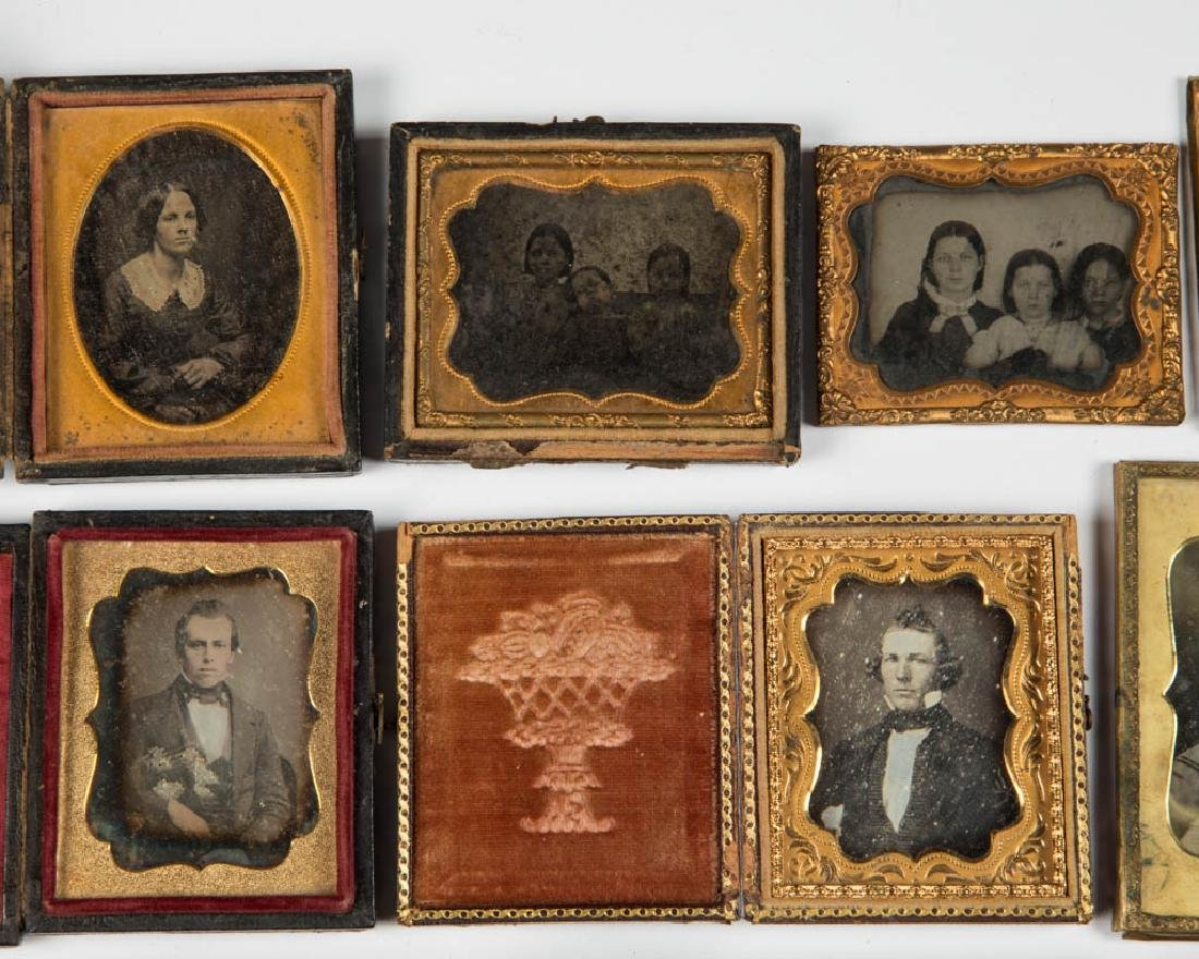 ASSORTED PHOTOGRAPHIC IMAGES, LOT OF 19 - 2