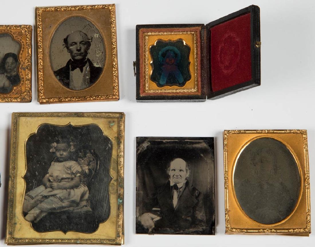 ASSORTED PHOTOGRAPHIC IMAGES, LOT OF 19 - 3