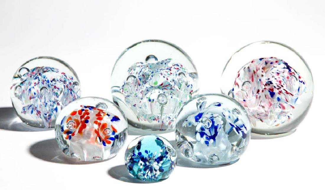 ASSORTED MOTTLED THREE-FLOWER PAPERWEIGHTS, LOT OF SIX