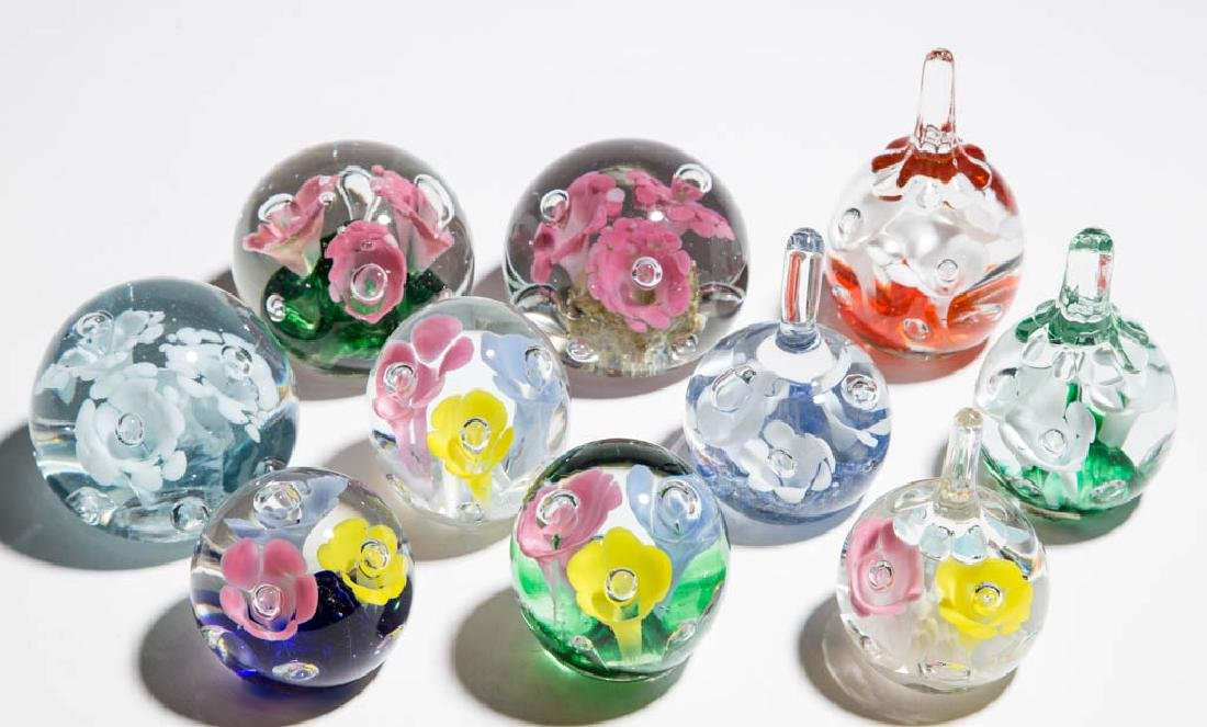 ASSORTED THREE-FLOWER PAPERWEIGHTS, LOT OF TEN